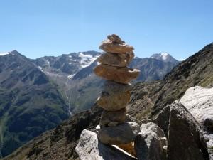 """""""Auch aus Steinen, die uns in den Weg gelegt werden, können wir etwas Schönes bauen."""""""